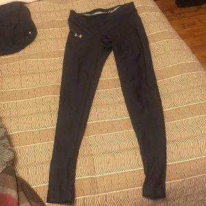 UnderArmor women's black leggings